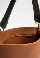 Joy Collectables - Shopper bag with tag detail - tan