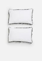 Sixth Floor - Tassel trim pillowcase set - black