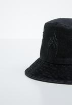 Superbalist - Denim bucket hat - black