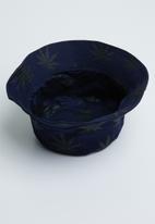 Superbalist - Leaf print bucket hat - navy