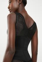 Easy Curves Shapewear - Lace trim bodysuit - black