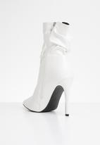 Public Desire - Adorn slouched heeled ankle boot - white