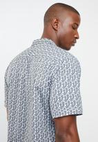 STYLE REPUBLIC - Powers bowling collar shirt - multi