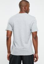 Reebok - Linear logo tee - grey