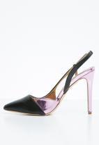 Madison® - Slingback court heels - black