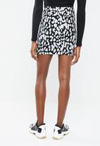 Missguided - Mono leopard super stretch denim skirt - black & white