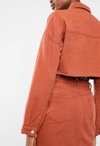 Missguided - Regular fit raw hem jacket - rust