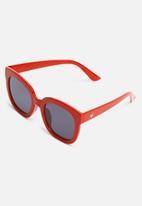 Superbalist - Katie cat eye sunglasses - red