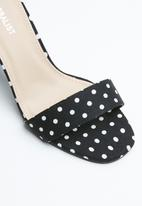 Superbalist - Minnie block heels - black & white