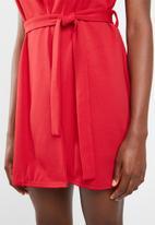 Missguided - Sleeveless blazer dress - red