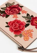 MANGO - Floral embroidered pouch - pink