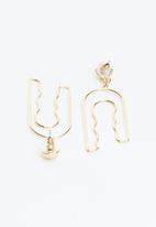 Superbalist - Georgia abstract earrings - gold