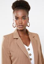 Missguided - Pinstripe boyfriend blazer - brown