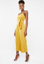 Missguided - Tie side culotte jumpsuit - mustard