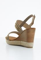 Miss Black - Vinolia wedge - taupe