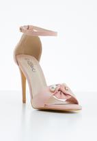Miss Black - Stella pearl detail heels - pink