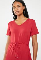 edit - Short sleeve dress with draw-chord - red