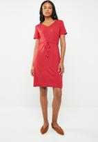 edit - Short sleeve dress with draw-cord - red
