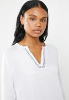 G Couture - Tunic with sleeve ties and blanket stitch - white