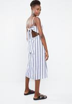 Superbalist - Linen blend square neck dress - white & navy