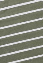 Hertex Fabrics - Seattle bathmat - sage & white