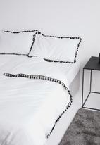 Sixth Floor - Tassel trim duvet set - black