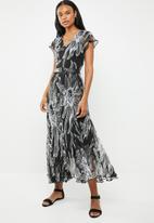 G Couture - Short sleeve maxi dress - black