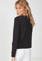 Cotton On - Tbar Tammy chopped graphic tee - black