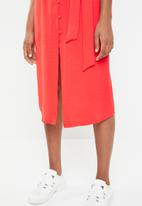 Superbalist - Button through midi dress - coral