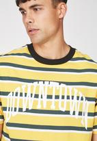 Cotton On - Downtown loose fit tee - yellow & green