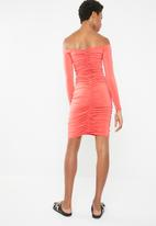 Superbalist - Ruched off the shoulder bodycon - coral
