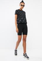 Nike - Nsw top short sleeve metallic - black