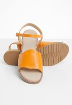 edit - Studded ankle strap sandals - tan