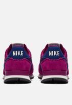 Nike - Internationalist W -  true berry/blue void-summet