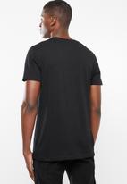 Superbalist - Printed crew neck tee - black