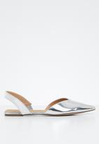STYLE REPUBLIC - Slingback metallic pumps - silver