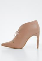 Superbalist - Lara high vamp heel - neutral