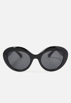 Cotton On - Paris oval cat eye sunglasses - black