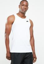 Nike - Nsw club embroidered tank top - white