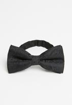 Joy Collectables - Paisley print bow tie - black