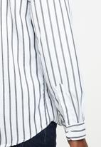 STYLE REPUBLIC - Iconic striped long sleeve shirt - white & black