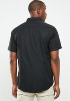 STYLE REPUBLIC - Essential slim fit short sleeve shirt - black