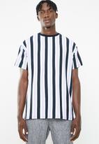 New Look - Jack short sleeve vertical stripe tee - multi