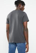 Levi's® - Graphic set round neck tee - black