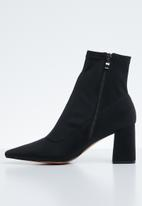 Public Desire - Grizzly mid heel point toe ankle boot - black