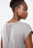 Superbalist - Dropped shoulder vest - grey