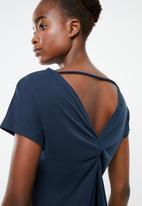 Superbalist - Knot back T-shirt - navy