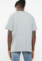 Cheap Monday - Uni speech logo short sleeve tee - grey