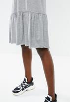 Vero Moda - Carla dress - grey
