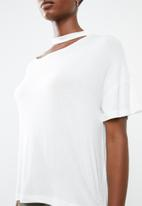 Superbalist - Asymmetrical choker detail tee - white